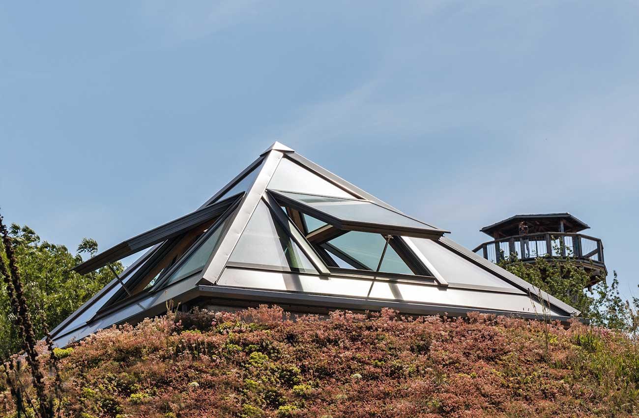 freiburg-pfosten-riegel-fassade-klappfenster-10